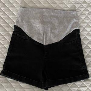 ✨3 for $65✨ Black Maternity Jean Shorts